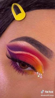 Bright Eye Makeup, Makeup Eye Looks, Eye Makeup Art, Colorful Eye Makeup, Crazy Makeup, Cute Makeup, Eyeshadow Looks, Eyebrow Makeup, Skin Makeup