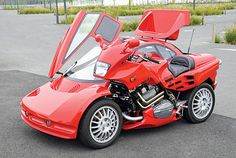 """This french-built sidecar is amazing looking and has reached speeds up to 125 mph. """"The sidecar's design is inspired by the look of a Lamborghini and the McLaren and the color is a… Bike With Sidecar, Sidecar Motorcycle, Motorcycle Parts, Ninja Motorcycle, Motorcycle Tips, Motorcycle Quotes, Citroen Xantia, Side Car, Cool Motorcycles"""