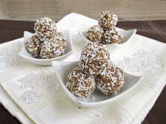 A házi Ferrero villámgyorsan elkészíthető, nézd meg te is, hogyan! Other Recipes, Great Recipes, Fun Deserts, Amazing Deserts, Biscuits, Cereal, Vanilla, Spices, Nutella