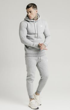 Fitted Joggers, Mens Joggers, Workout Gear For Men, Men Exercise, Workout Men, Workout Routines, Fall Workout Outfits, Big Men Fashion, Gym Fashion