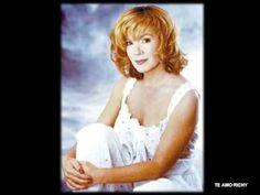 Vikki Carr - You Don´t have to say you love me - YouTube