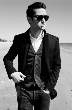 Joseph Gordon-Levitt on Esquire - sport coat, vest button-up