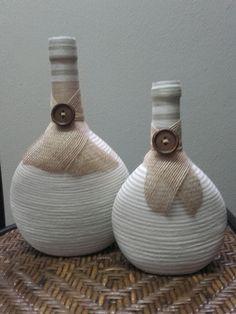 Old Wine Bottles, Wine Bottle Art, Painted Wine Bottles, Diy Bottle, Bottles And Jars, Glass Bottles, Glass Bottle Crafts, Autumn Crafts, Decorated Jars