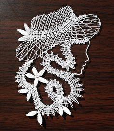 Dáma v klobouku IV / Zboží prodejce zefyra Lace Art, Crochet Butterfly, Lacemaking, Lace Patterns, Bobbin Lace, Pattern Blocks, Dream Catcher, Diy And Crafts, Crochet Earrings