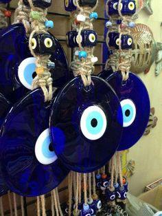 """""""Das Blaue Auge""""   Schützt bzw soll vor bösen Blicken schützen :))  Nazar boncuk"""
