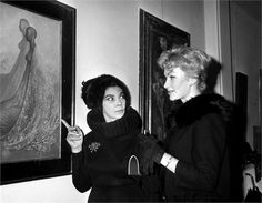 Leonor Fini at one of her exhibitions.