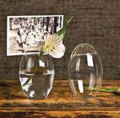 HomArt's Glass Bubble Placecard Holders are so lovely and simple and are easily adaptable to various styles - Settings, and levels of formality. Use them as place card holders in a formal or informal
