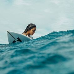 Surfing holidays is a surfing vlog with instructional surf videos, fails and big waves Surf Mar, Good Vibe, Surfing Pictures, Beach Aesthetic, Shooting Photo, Foto Pose, Surf Style, Surf Girls, Surfs Up