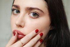 H / Laura Matuszczyk: Indigo Nails Lip Makeup, Beauty Makeup, Hair Beauty, Prety Girl, Beauty Bible, French Skincare, Indigo Nails, Classy Chic, Belleza Natural