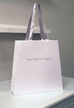 紙袋デザイン 全400枚【こんなにある!個性的ショップバック】 - NAVER まとめ
