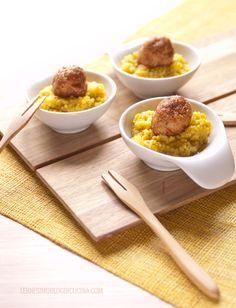 Amuse-bouche di couscous cremoso al curry con polpettine di macinato di pollo al curry e cumino. @lennesimoblog