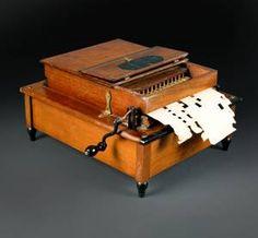 Table mechanical organ - Mechanical Orguinette Company New York - - Fundación Joaquín Díaz de Urueña.