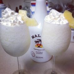 Mixed drink with Malibu : delicious drinks