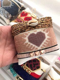 Miyuki ONe BRacelet ADjustaBLE handmade jewelry Evil eye Seed Bead Bracelets, Loom Bracelets, Loom Patterns, Beading Patterns, Bijou Box, Beaded Jewelry, Handmade Jewelry, Friend Bracelets, Loom Beading