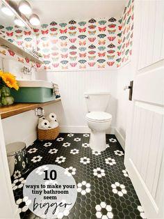 10 Ways to Make a Tiny Half Bath Seem Bigger. Tips and tricks to make a tiny bathroom seem spacious and memorable! Small Bathroom Inspiration, Bathroom Ideas, Tiny Half Bath, Room Freshener, Small Toilet, Retro Lighting, White Rooms, Modern Retro, Panel Doors