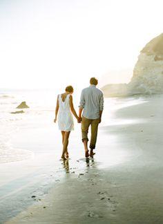 Si yo te busco y tú me buscas seguro nos encontraremos más rápido. Encuentra pareja en: www.twinshoes.es  #BuscarPareja