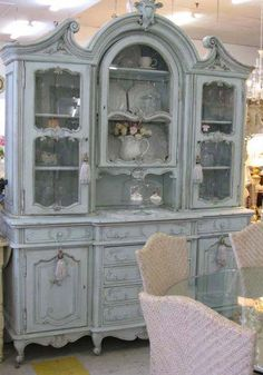 Shabby Posh serves as a style style which uses age furniture together with other materials to develop a old look contained in the house. Shabby Chic Kitchen, Shabby Chic Cottage, Shabby Chic Decor, French Furniture, Shabby Chic Furniture, Home Furniture, Furniture Removal, Furniture Outlet, Cheap Furniture