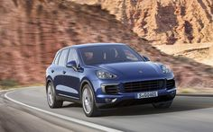 Ahead of its debut at the Paris Motor Show, Porsche have revealed the 2015 Porsche Cayenne facelift with minor updates to its exterior and interior. Porsche Suv, Audi Q7, Porsche Cayenne Price, Porche Cayenne, Cayenne Hybrid, Top Suvs, Bentley Continental Gt Speed, Macan S, Luxury Crossovers