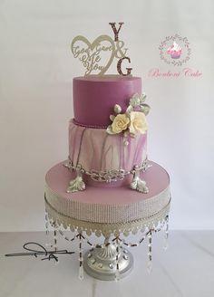 Mauve engagement cake - cake by Bonboni Cake - Torten, Kekse, Cupcakes - Pretty Cakes, Beautiful Cakes, Amazing Cakes, Cupcakes, Best Cake Mix, Cake Pop Displays, Cake Decorating With Fondant, Purple Cakes, Peach Cake