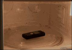 Nokia en un micro-ondas :O #experimento #gif