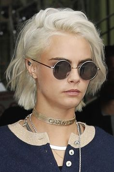 Cara Delevingne Wavy Silver Bob, Shaggy Bob Hairstyle | Steal Her Style