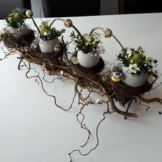 Ostern Ostern Best Picture For Easter Decorations for outside For Your Taste You are looki Easter Flower Arrangements, Easter Flowers, Floral Arrangements, Deco Floral, Arte Floral, Christmas Wreaths, Christmas Decorations, Spring Decorations, Christmas Ideas