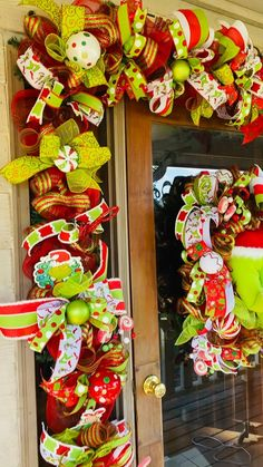 Wreaths And Garlands, Holiday Wreaths, Holiday Crafts, Holiday Decor, Whoville Christmas, Christmas Swags, Christmas Door, Christmas Ideas, Merry Christmas