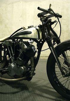Harley-Davidson EL 1200 Knucklehead engine in HD WL 750 frame | springer front end rigid