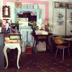 Kamoli Butik & Kafé in Condado. A one stop spot for fashion and a bite. Rico Design, Puerto Rico, Four Square, Mood, Mirror, Home Decor, Fashion, Moda, Decoration Home