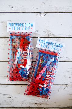 of July Party Ideas! Tons of great recipes, printables and decor for your Fourth of July Party, BBQ or picnic! 4th Of July Celebration, 4th Of July Party, Fourth Of July, Fireworks Show, 4th Of July Fireworks, 4. Juli Party, Happy Birthday America, 4th Of July Desserts, July Birthday