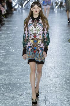 Mary Katrantzou Fall 2016 Ready-to-Wear Collection Photos - Vogue...like a cooler version of a Versace dress...