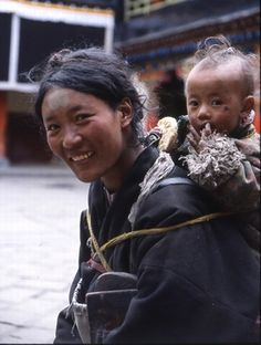 Mother and child . Tibet