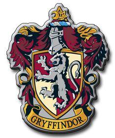 Salut les girls !!!!! Aujourdh'ui c'est le dernier tuto de la série Harry Potter !!! Et bien évidemment on finit en beauté avec la maison Gryffondor !!! Perso j'ai toujours rêvé d'aller à Gryffondor...(forcement c'est les meilleurs !! Mouhahahaha) Non...