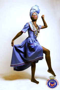 Haitian Flag, African Dress, Vintage Beauty, Black Style, My Style, Maid Of Honor, Traditional Dresses, Chambray, Traveling By Yourself
