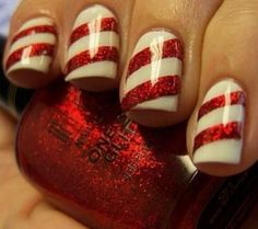 Simple, yet classy festive nails for Christmas.