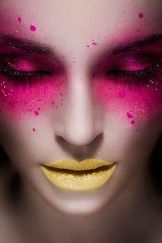35. Denn Gelb passt auch zur Rosa und Pink. #SmileHype