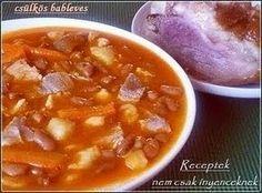 Csülkös bableves csipetkével Soup Recipes, Cooking Recipes, Hungarian Recipes, Hungarian Food, Goulash, Chana Masala, Cheeseburger Chowder, Chili, Bacon