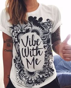 Electrothreads Vibe with Me Crew shirt in S