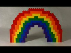 LEGO Rainbow build challenge for kids. Spring and Summer STEM activity exploring color, symmetry, and engineering. Lego Hogwarts, Lego Design, Lego Duplo, Construction Lego, Lego Storage, Storage Ideas, Lego Challenge, Lego Craft, Lego For Kids