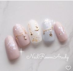 Expand fashion to your fingernails with the help of nail art designs. Used by fashionable celebrities, these nail designs will incorporate immediate style to your wardrobe. Asian Nail Art, Asian Nails, Korean Nail Art, Korean Nails, Best Acrylic Nails, Gel Nail Art, Gel Nails, Cute Nails, Pretty Nails