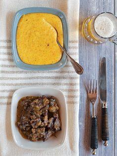 Μοσχάρι ραγού με μπίρα - www.olivemagazine.gr Beef Stew With Beer, Grill Pan, Mashed Potatoes, Slow Cooker, Main Dishes, Grilling, Pork, Meat, Cooking