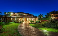 Stunning Mansion Overlooking Hanalei Bay Will Take Your Breath Away - Real Estate - July 2016