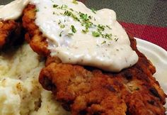 More Chicken Fried Steak Beef Recipes, Chicken Recipes, Cooking Recipes, Fried Chicken Sauce, Eastern European Recipes, Country Dinner, Czech Recipes, Dinner Entrees, Beef Dishes
