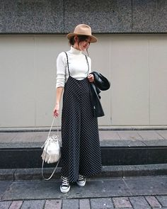 Niqab Fashion, Modesty Fashion, Fashion Dresses, Japan Outfits, Jumper Outfit, Wide Pants, Fall Looks, Street Wear, Normcore
