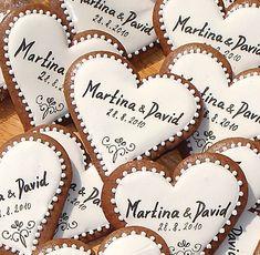 Svatební+srdíčka-dekorace+Dekorační+svatební+perníkové+srdíčka,s+krásným+ornamentem,který+jsem+si+dovolila+okopírovat+v+roce+2010+od+nějaké+italské+perníkářky+(prosím+nekopírujte+)+vhodné+jako+vzpomínka+....+Vel.+cca+8+cm.+Cena+za+1+ks. Dream Wedding, Wedding Day, Sweet Bar, Wedding Crafts, Diy And Crafts, Wedding Inspiration, Shapes, Wedding Dresses, Celebrations
