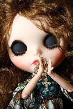Rosary Praying catholic blythe doll-Charlotte