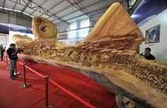 A maior escultura esculpida em madeira do mundo (1)