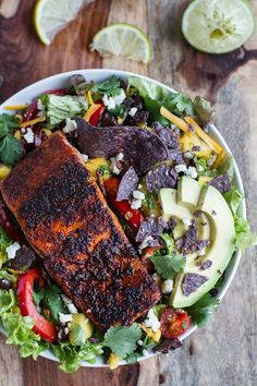 Foodie Place: Chile Lime Salmon Fajita Salad with Cilantro Lime Vinaigrette