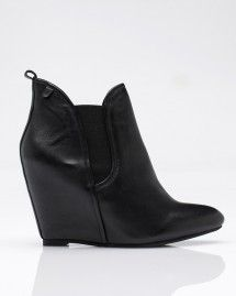 im in love with this bootie