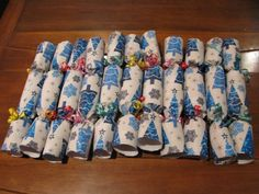 The Christmas Cracker Tradition – christmas crackers Christmas Crackers, Christmas Traditions, Homemade, Traditional, Holiday, Christmas Biscuits, Christmas Cookies, Vacations, Home Made